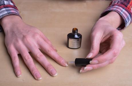 покрытие ногтя базой