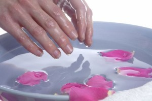делаем ванночки для рук в домашних условиях