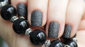 новый тренд в лаках для ногтей - песочный эффект