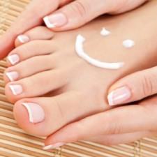 Идеальный педикюр - результат ежедневного ухода за ногтями и ступнями ног, а не только мастерства.