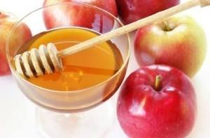 мед и яблоко